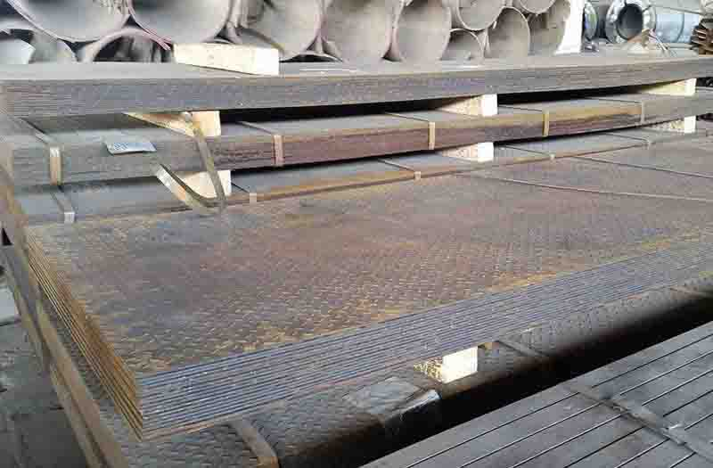 Hot rolled steel sheet with patterns
