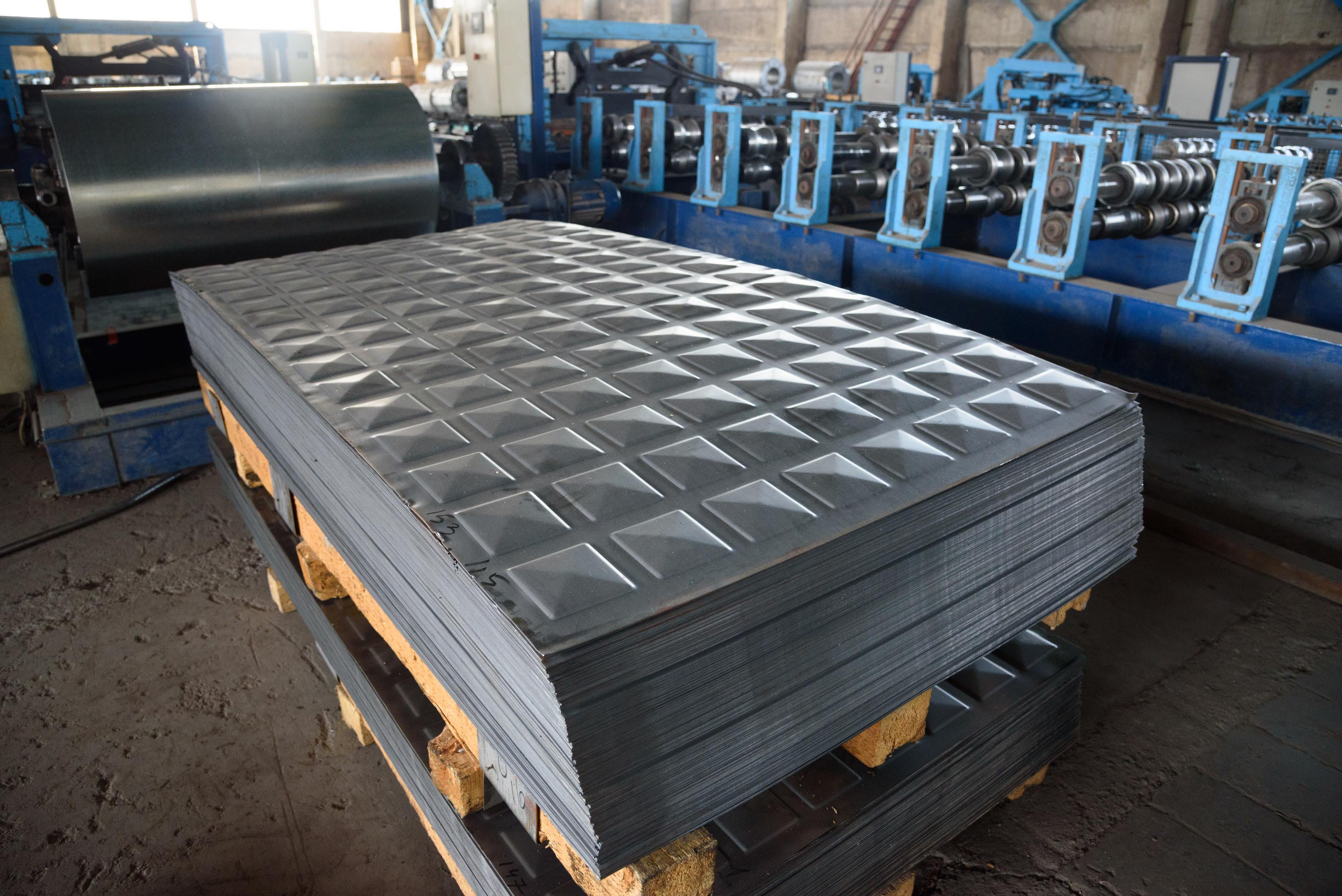 Hot rolled, shaped black steel sheet